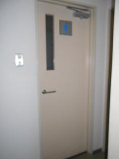 こころ神戸トイレ男子ドア旧1.JPG