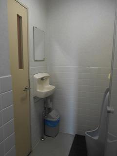 こころ神戸トイレ男子旧2.JPG