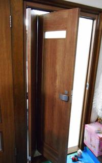 塩井邸ドア.JPG