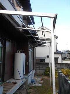 小田様邸外壁波板2.JPG