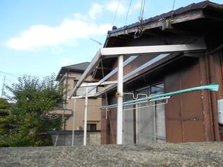 小田様邸外壁波板3.JPG