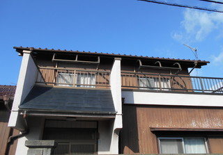 小田様邸外壁波板4.JPG